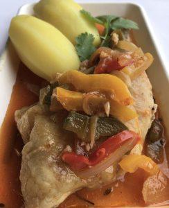 pouletbasquaisepresentation-plateau-repas-restaurant-le-canal-traiteur-mistert